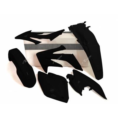 Sada plastov čierna 4 dielna